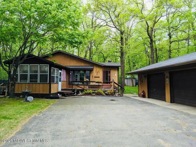 Listing photo 1 for 28622 Partridge Dr