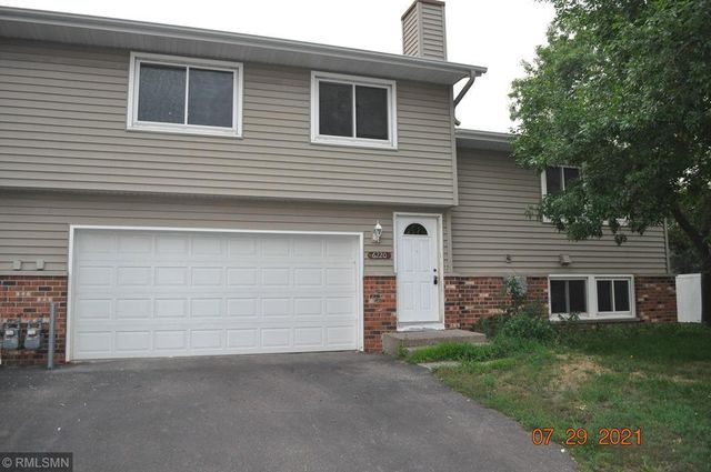 Listing photo 1 for 6220 64th Ave N