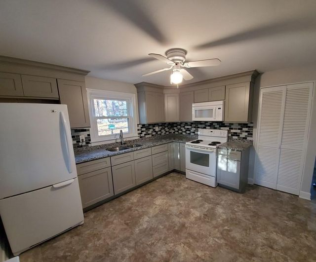 15 Smith St, Chelmsford, 01824, MA - photo 0