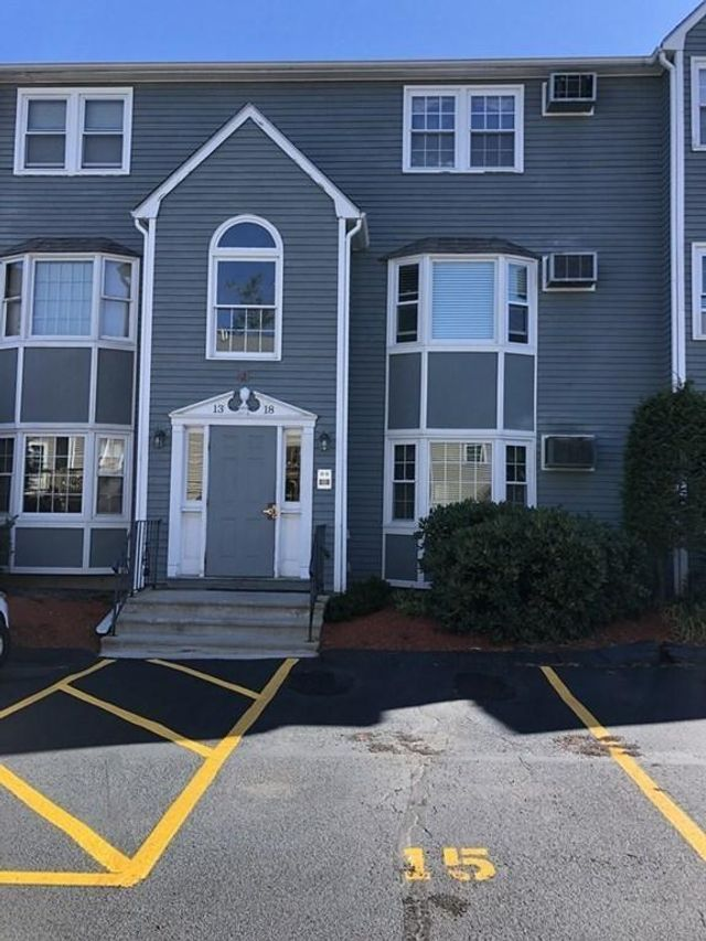1821 Middlesex St Unit 15, Lowell, 01851, MA - photo 0