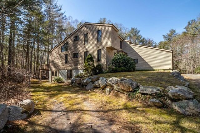 31 Holly Pond Rd, Marion, 02738, MA - photo 0