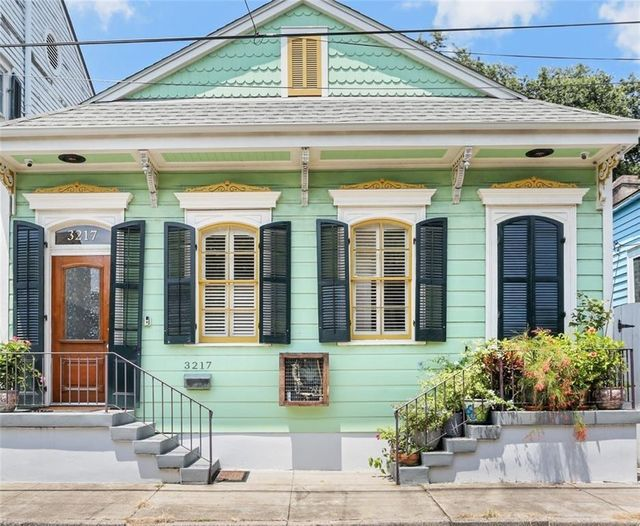 Listing photo 1 for 3217 Dauphine St