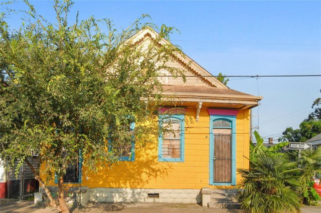 Listing photo 1 for 1440-42 Annette St
