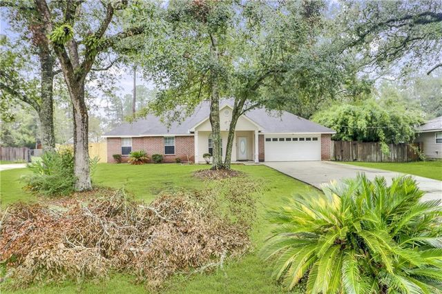 Listing photo 1 for 35411 Liberty Dr