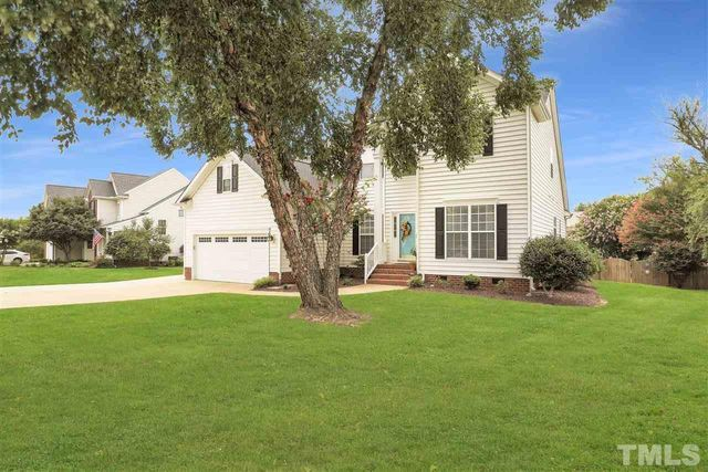 Listing photo 1 for 2605 Hidden Meadow Dr