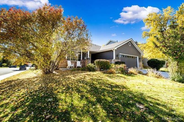 Listing photo 1 for 16076 Sequoia Dr
