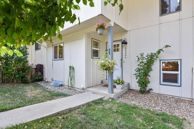 Listing photo 1 for 6426 W 80th Dr Unit A