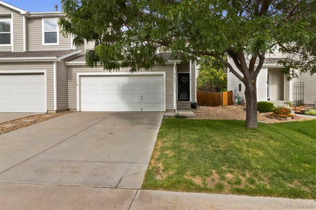 Listing photo 1 for 8133 S Memphis Way