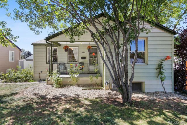 Listing photo 1 for 4349 S Clarkson St