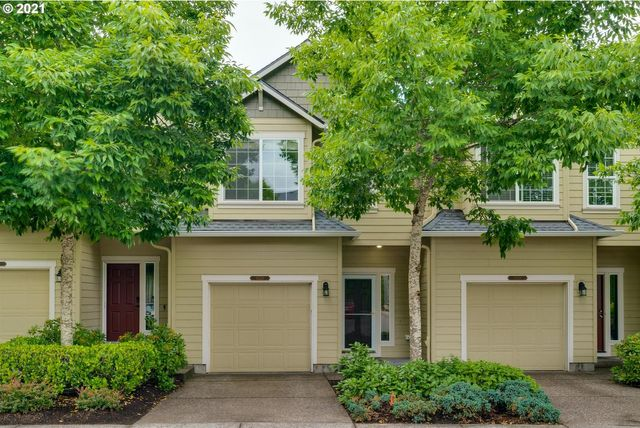 Listing photo 1 for 16224 NW Fescue Ct