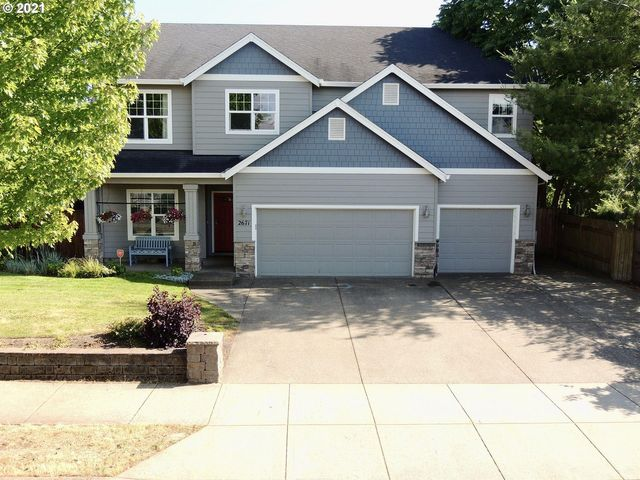 Listing photo 1 for 2671 NW Pinot Noir Dr