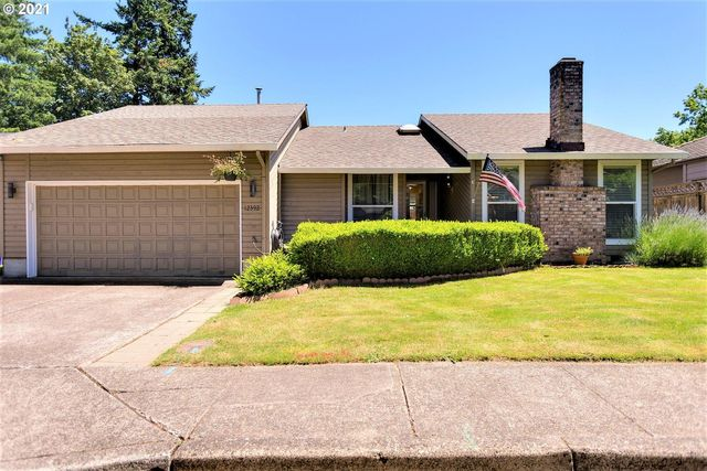 Listing photo 1 for 12392 SE 43rd Ave
