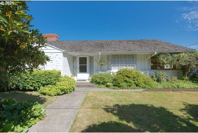 Listing photo 1 for 2250 N 13th Ct