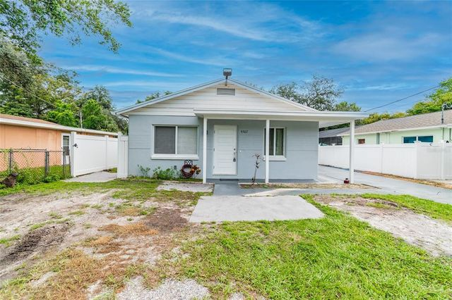 Listing photo 1 for 9307 N Albany Ave