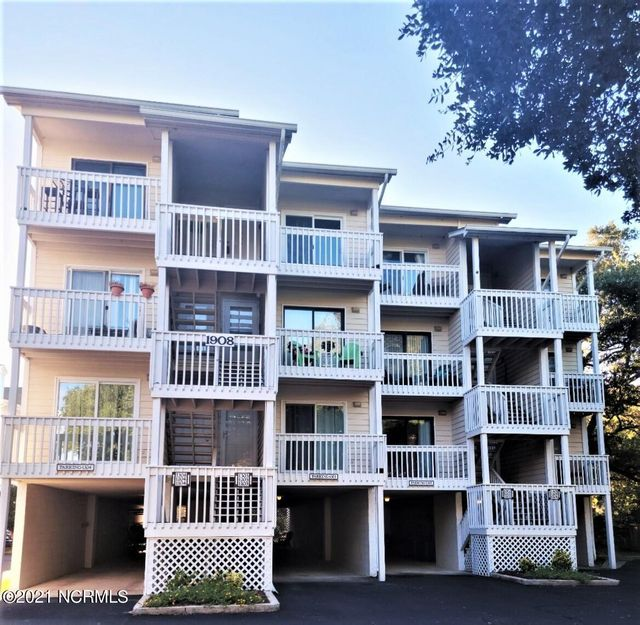 Listing photo 1 for 1908 SW Goose Creek Rd SW Unit 1104