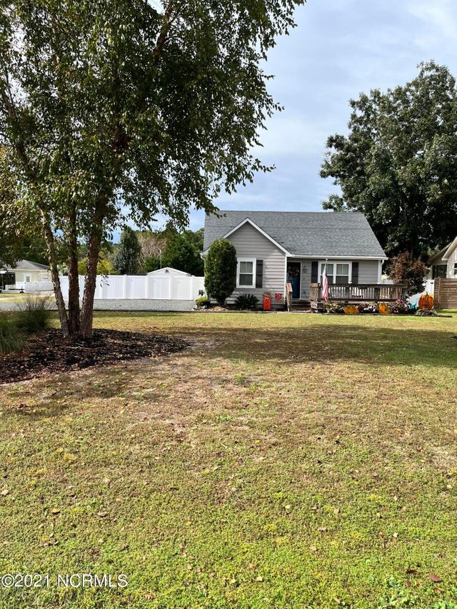 Listing photo 1 for 2775 Sea Aire Dr SW