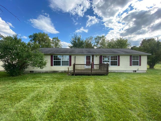 Listing photo 1 for 998 Butterfield Hwy E