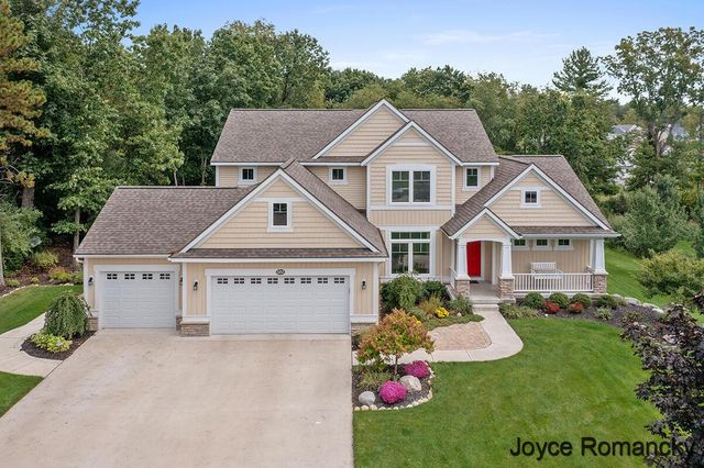 Listing photo 1 for 8858 S Wolven Ridge Ct