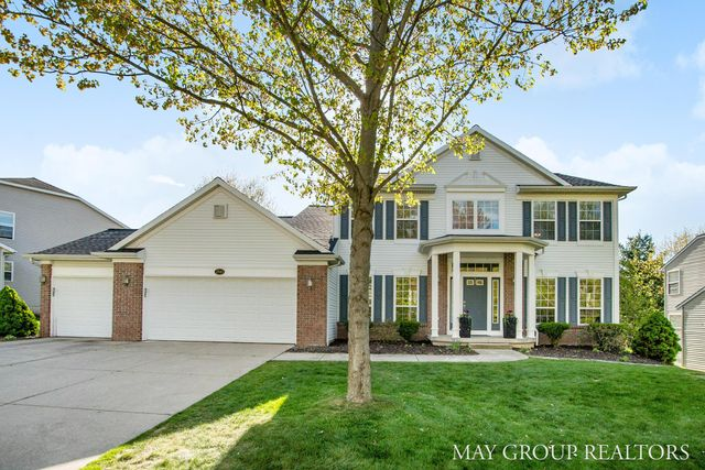 Listing photo 1 for 2545 Atwater Hills Dr NE