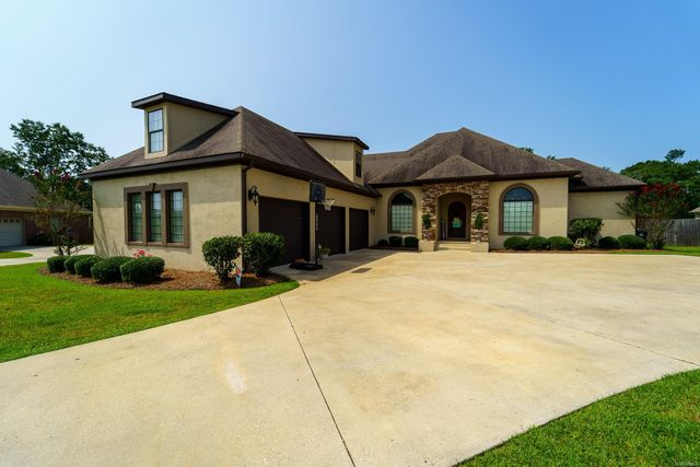 Listing photo 1 for 116 Highland Dr