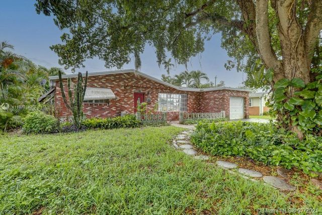 Listing photo 1 for 3995 NW 37th Ter