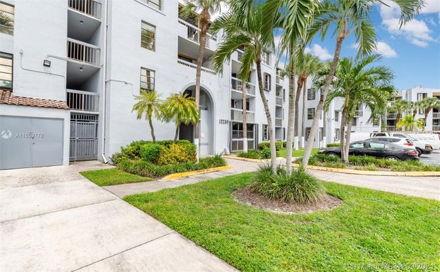 Listing photo 1 for 12239 SW 14th Ln Unit 3111