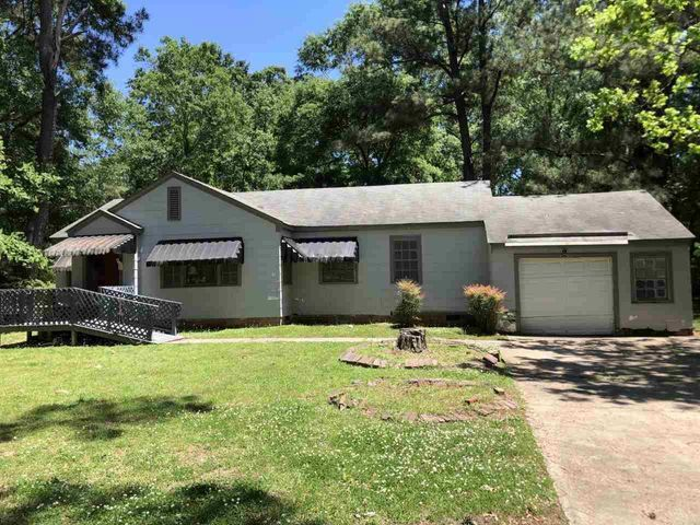 Listing photo 1 for 4526 Hanging Moss Rd
