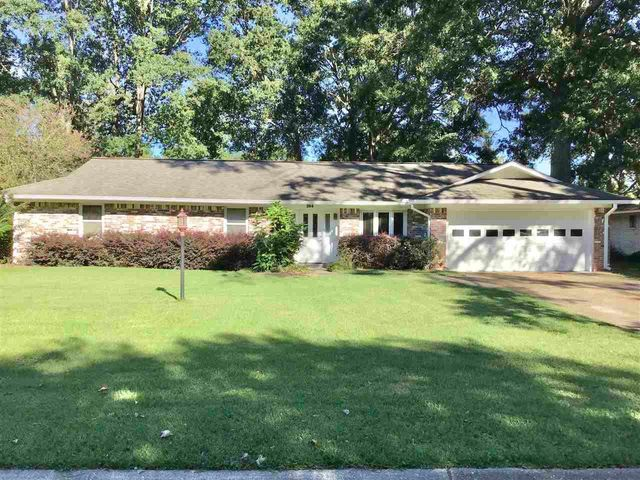 Listing photo 1 for 264 Belaire Dr
