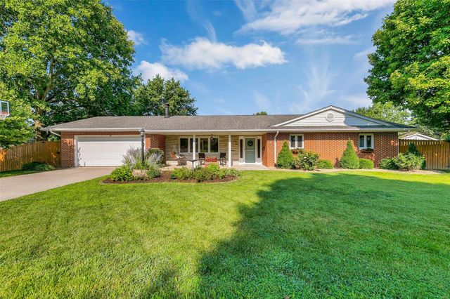 Listing photo 1 for 615 Waterloo Dr