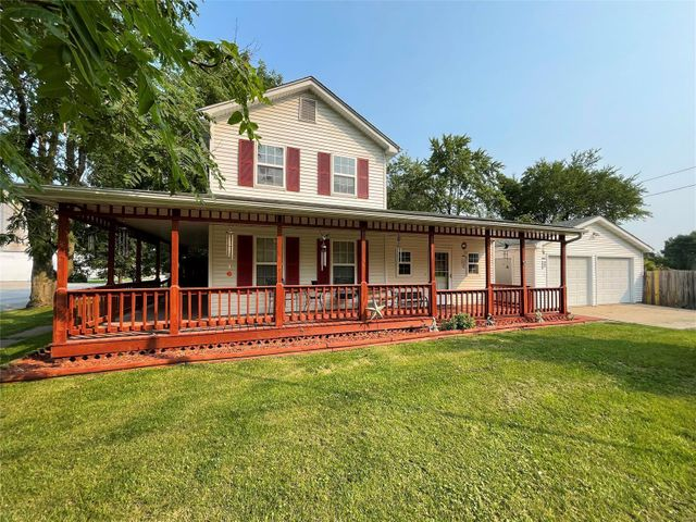 Listing photo 1 for 123 S Elm St