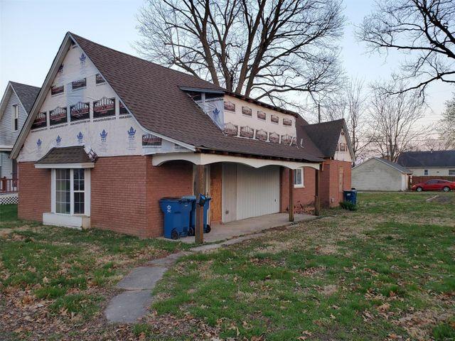 312 E 2nd St, Trenton, 62293, IL - photo 0