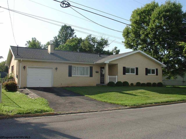 Property photo 1 featured at 518 Wheeling St, Westover, WV 26501