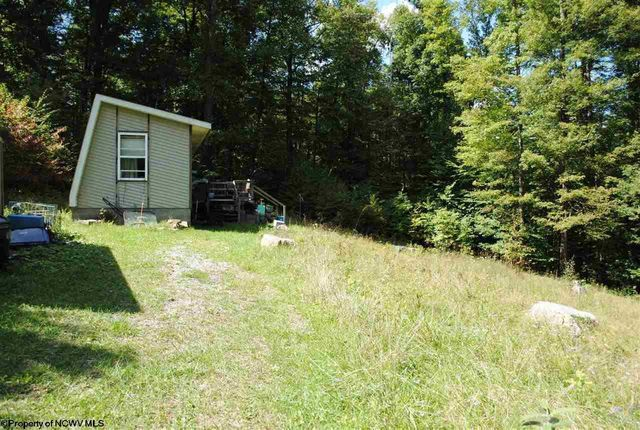 Property photo 1 featured at 144 Lakeside Dr, South, WV 26283