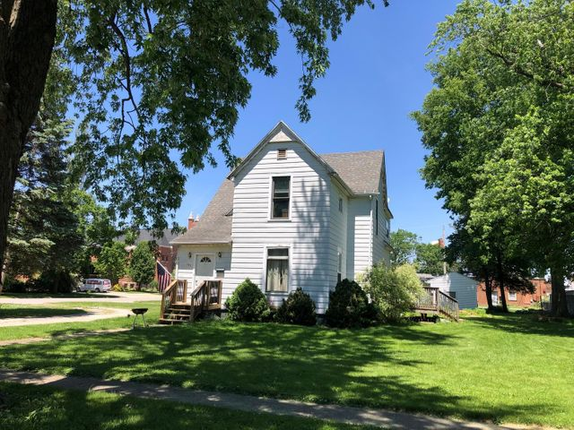 Listing photo 1 for 141 W Orleans St