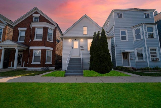 Listing photo 1 for 1521 S 51st Ave