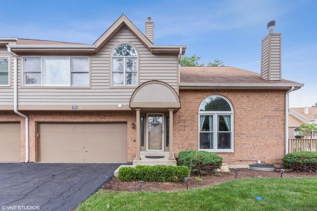 Listing photo 1 for 1504 Barrymore Dr