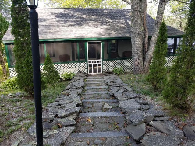 Listing photo 1 for 329 Webb Pond Rd