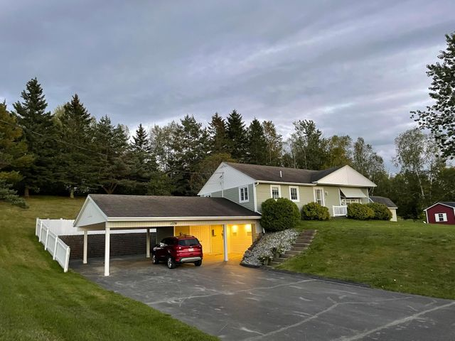 Listing photo 1 for 327 Frenchville Rd