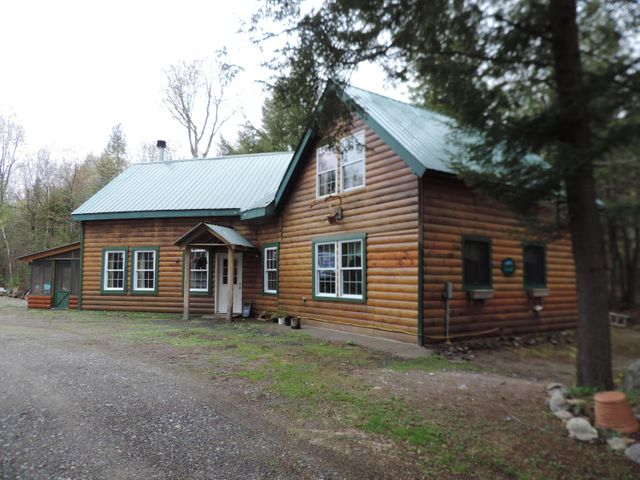 Listing photo 1 for 127 Loon Rd