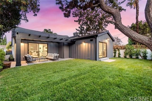 Listing photo 1 for 5465 Saloma Ave