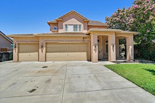 Listing photo 1 for 3717 Lauding Way