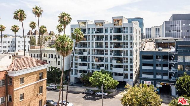 Listing photo 1 for 540 S Kenmore Ave Unit 606