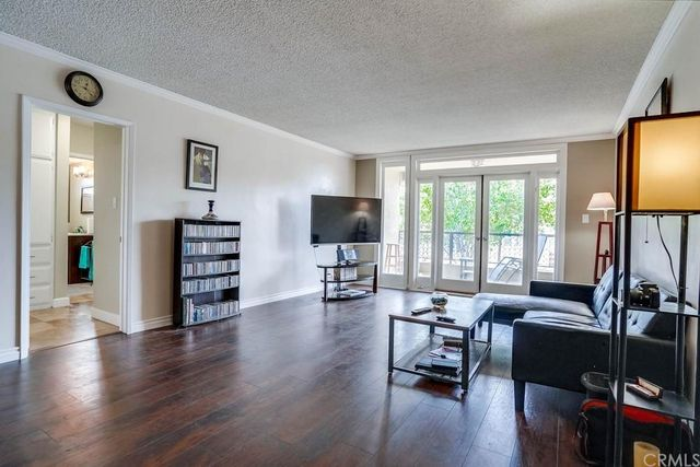 Listing photo 1 for 232 Junipero Ave Unit A1
