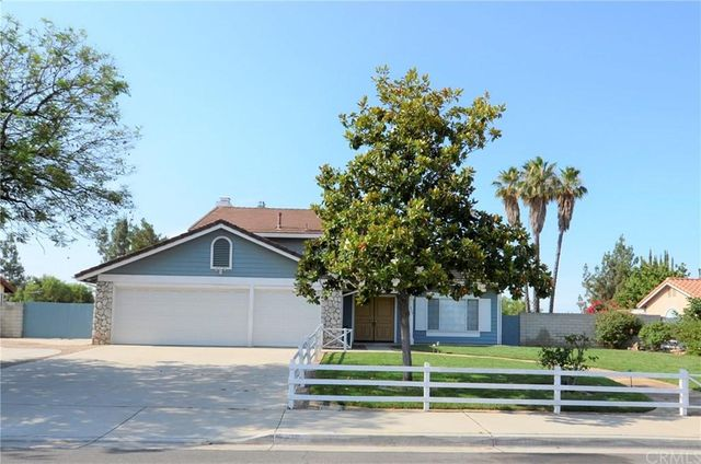 Listing photo 1 for 229 Cottonwood Ave