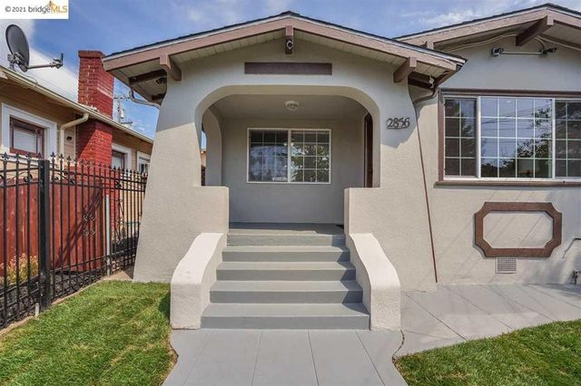Listing photo 1 for 2856 Atwell Ave