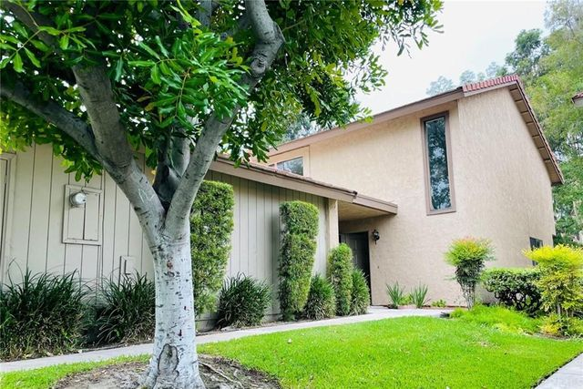 Listing photo 1 for 2529 Cypress Point Dr
