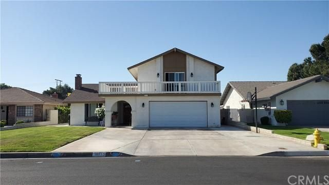 Listing photo 1 for 18475 Mountain Meadows Dr