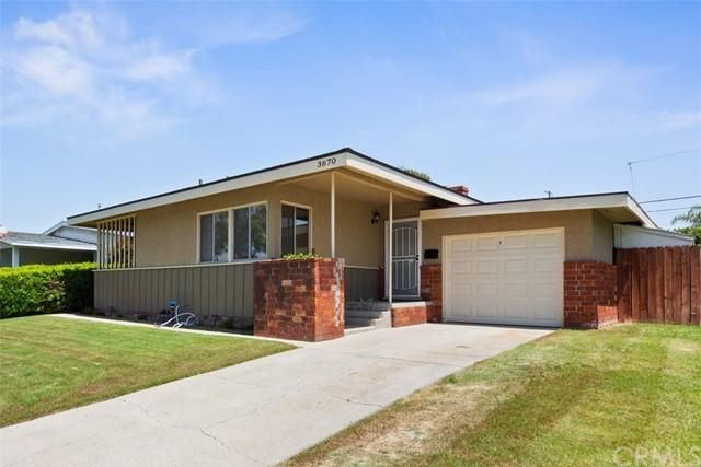 Listing photo 1 for 3670 Conquista Ave