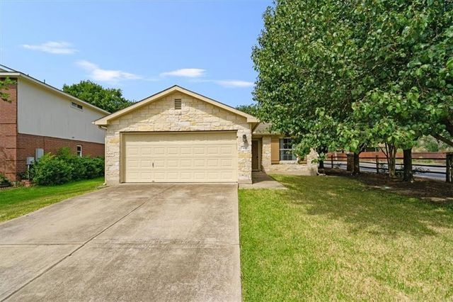 Listing photo 1 for 423 Meadow Park Dr