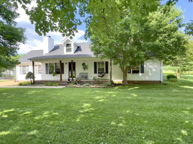 Listing photo 1 for 1314 Nottaway Ct